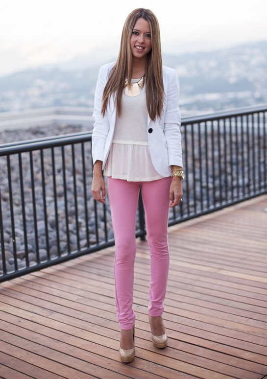 21 Stylish Outfit Ideas With Colored Jeans Style Motivation