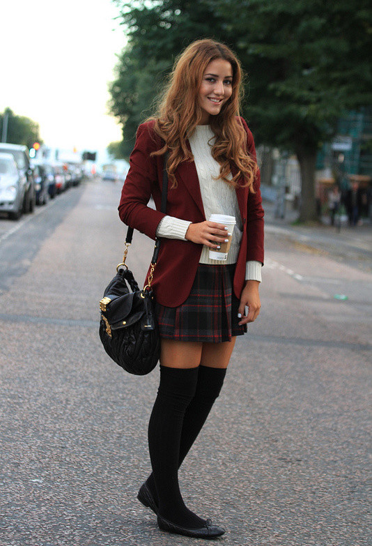 How to Wear Knee High Socks 19 Stylish Outfit Ideas (17)