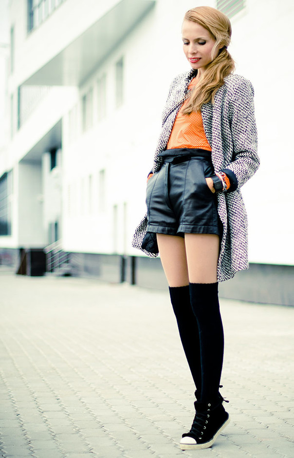 How to Wear Knee High Socks 19 Stylish Outfit Ideas (19)