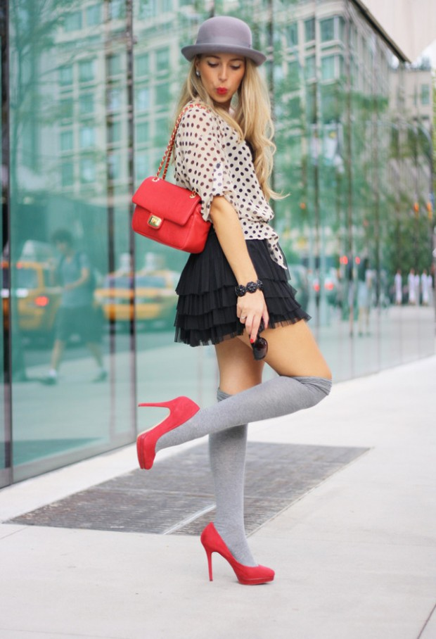 How to Wear Knee High Socks 19 Stylish Outfit Ideas (7)