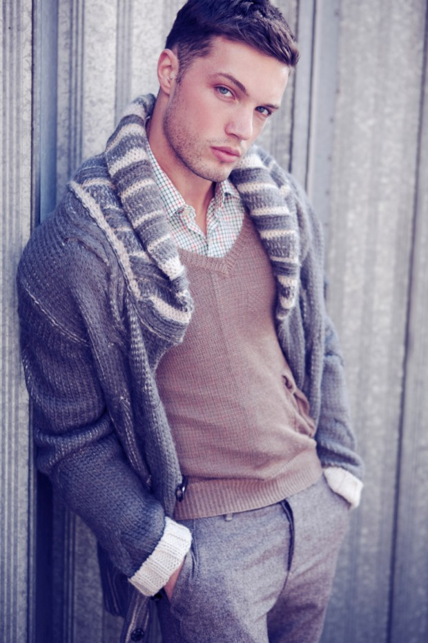 Amazing Mens Combination with Perfect Sweater for This Spring