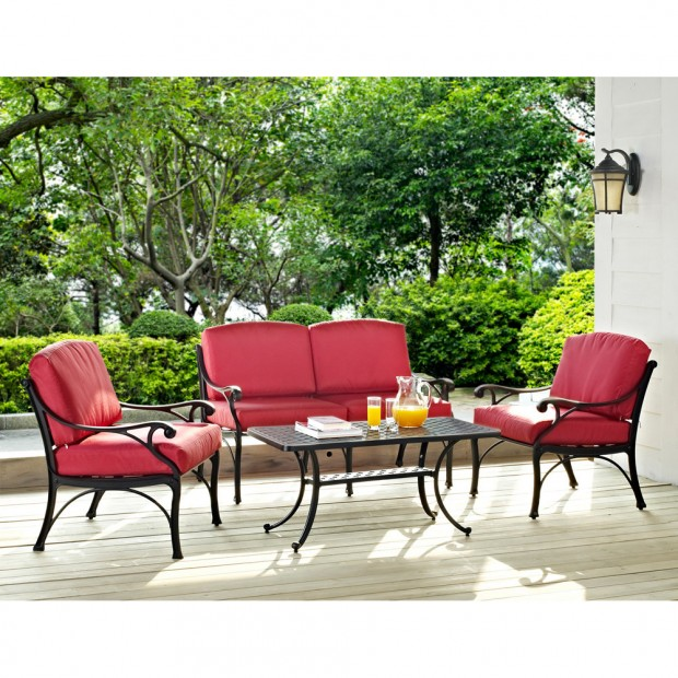 16 Relaxing Patio Conversation Set Designs for Spring (2)