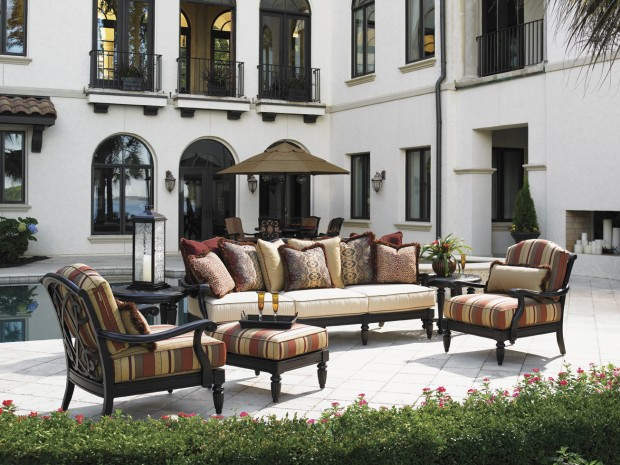 16 Relaxing Patio Conversation Set Designs for Spring (3)