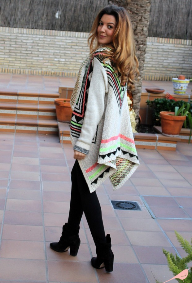 17 Amazing Outfit Ideas with Capes and Ponchos  (10)