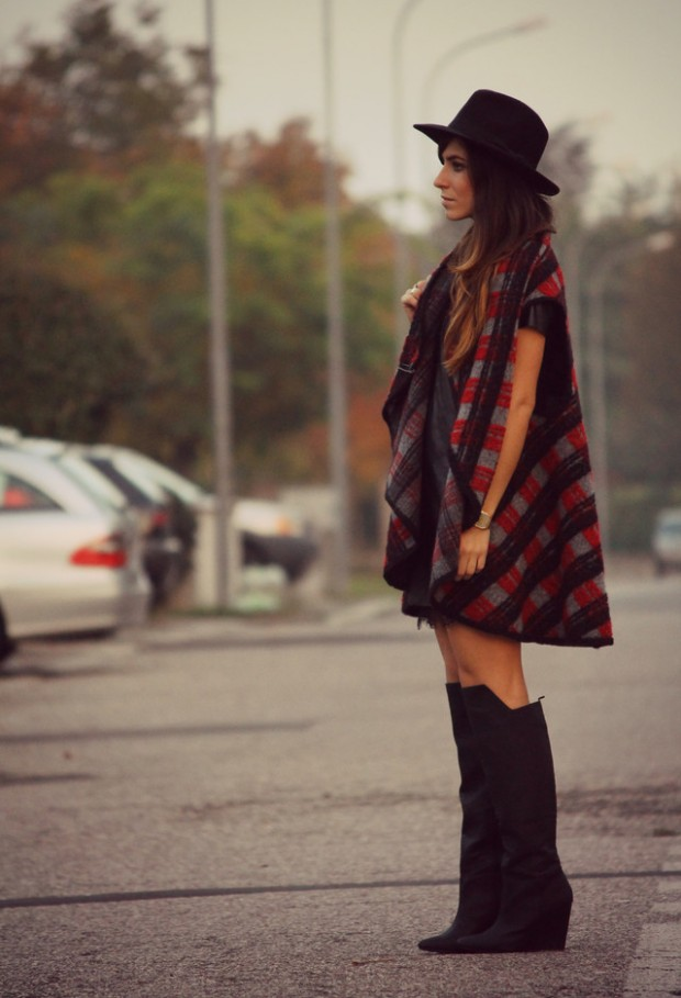 17 Amazing Outfit Ideas with Capes and Ponchos  (17)