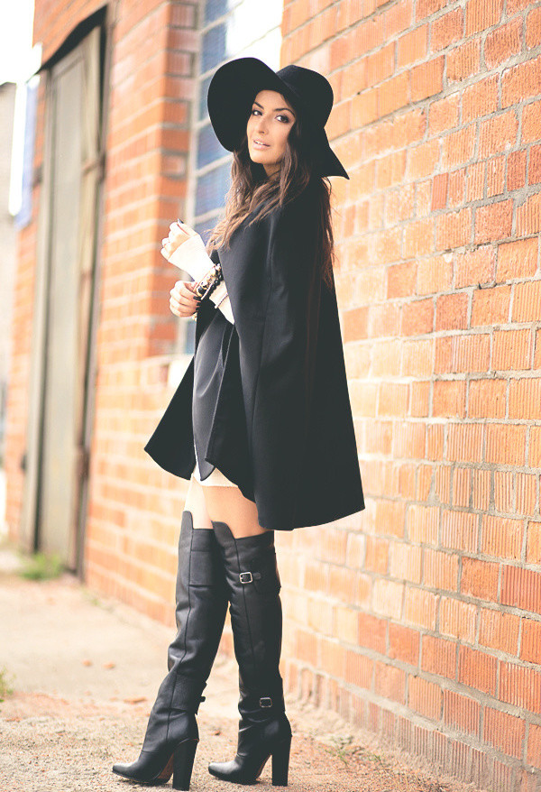 17 Amazing Outfit Ideas with Capes and Ponchos  (3)