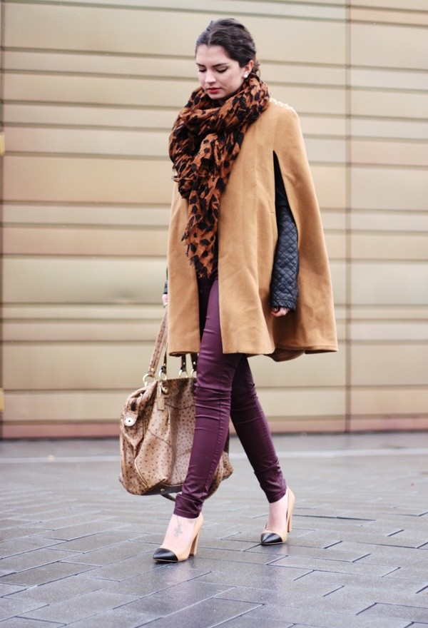 17 Amazing Outfit Ideas with Capes and Ponchos  (7)