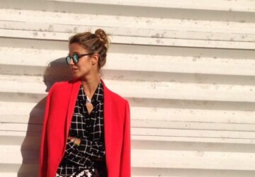 17 Amazing Outfit Ideas with Colored Blazers for Stylish Spring Look - spring outfit ideas, spring fashion trend, colored jeans, colored blazers, colored bags, bright colors, blazer