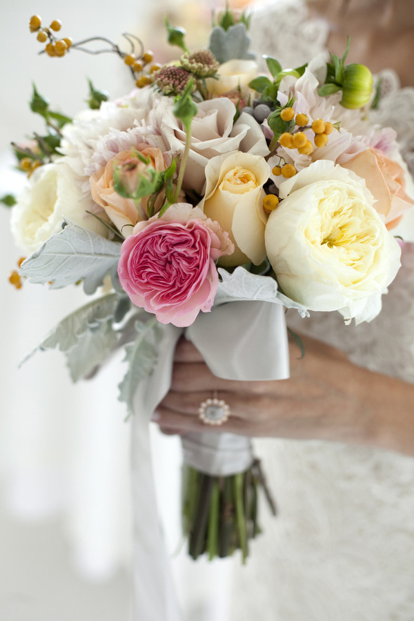 spring flowers wedding 17 wedding bouquets style motivation 7629