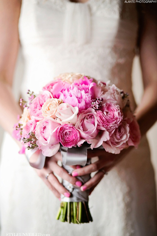 17 Romantic Spring Wedding Bouquets (17)