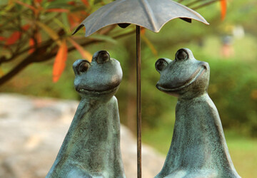 19 Entertaining Animal Statue Outdoor Spring Decorations - yard, statue, spring, retriever, rabbit, pot, pair, outdoor, lawn, holder, green, garden, front, frogs, frog, dog, decoration, crane, cat, bunny, bear, back, animals, animal, alligator