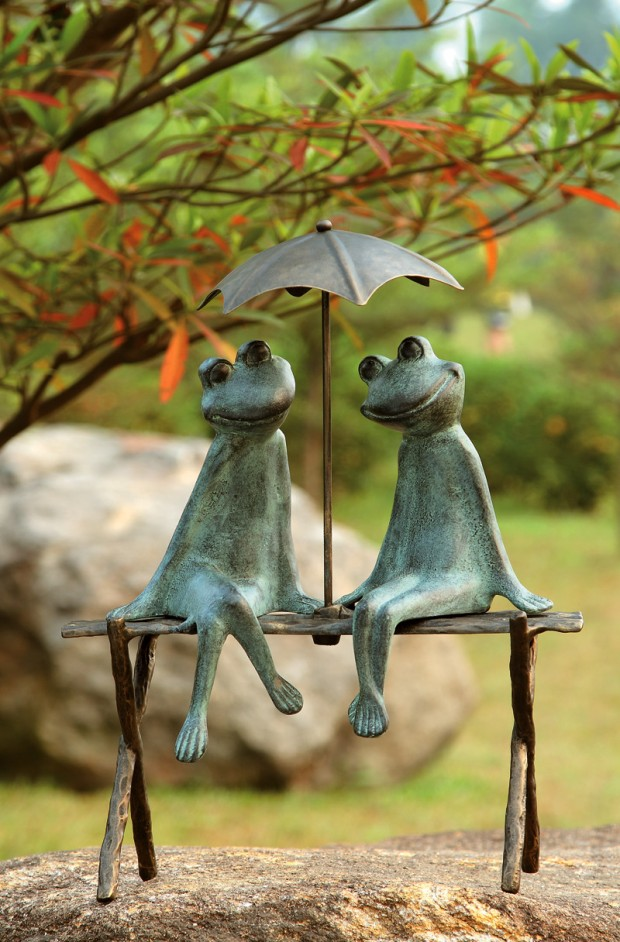 19 Entertaining Animal Statue Outdoor Spring Decorations (11)