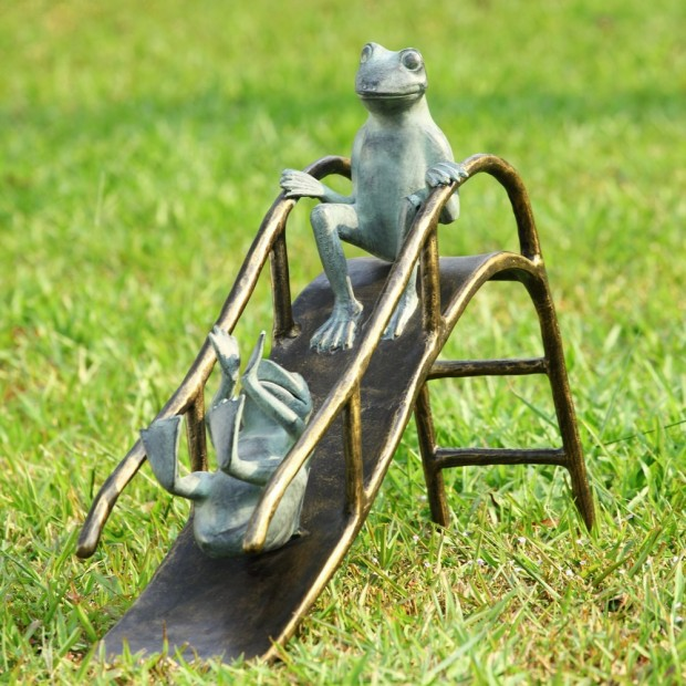 19 Entertaining Animal Statue Outdoor Spring Decorations (16)