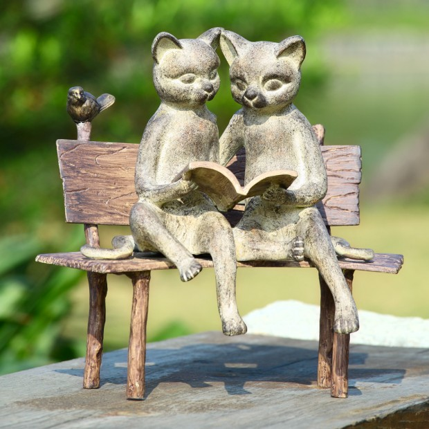 19 Entertaining Animal Statue Outdoor Spring Decorations (4)