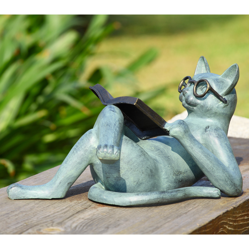 19 Entertaining Animal Statue Outdoor Spring Decorations Style