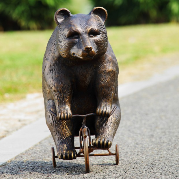 19 Entertaining Animal Statue Outdoor Spring Decorations (6)