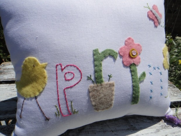 19 Springtime DIY Pillow Decoration Designs (9)