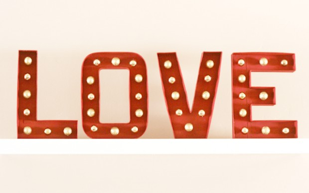 20 Amazing DIY Projects that Symbolize Love (15)