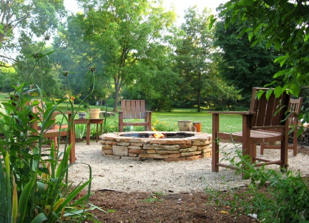 20 Great Fire Pit Ideas for Your Outdoor Area (1)