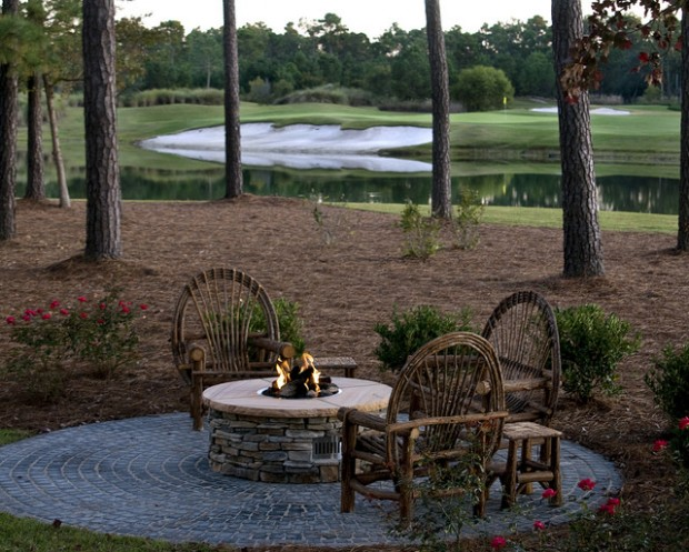 20 Great Fire Pit Ideas for Your Outdoor Area (12)