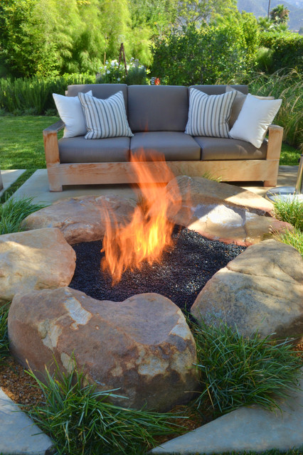 20 Great Fire Pit Ideas for Your Outdoor Area (5)