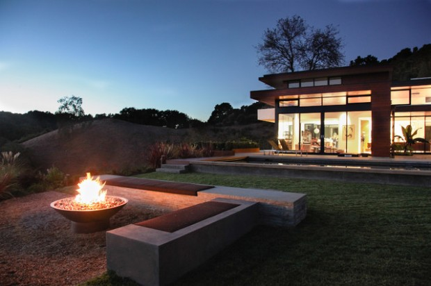 20 Great Fire Pit Ideas for Your Outdoor Area (9)