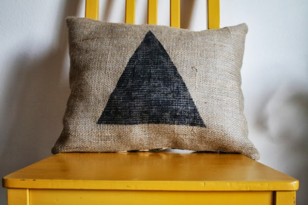 20 Interesting and Useful DIY Burlap Projects (14)