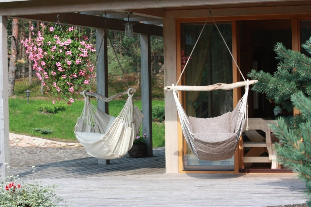 22 Hammocks for a Calm and Relaxing Spring (8)