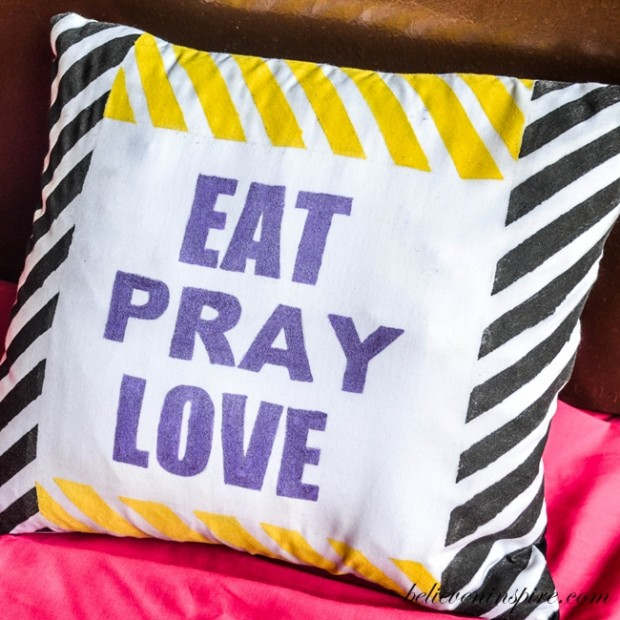 23 Decorative DIY Pillow Ideas for Your Home (10)