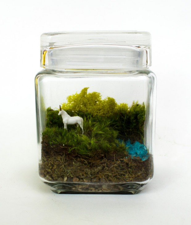 27 Small and Cute Themed Terrariums (11)