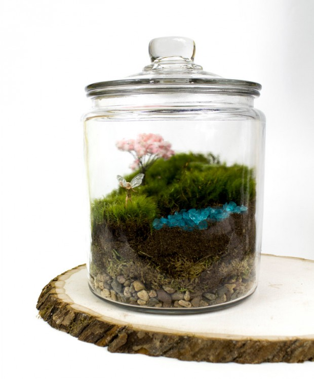27 Small and Cute Themed Terrariums (12)