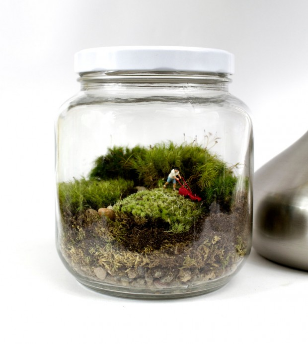 27 Small and Cute Themed Terrariums (17)