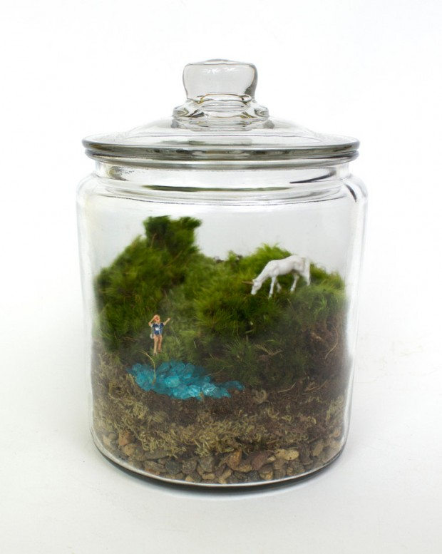 27 Small and Cute Themed Terrariums (25)
