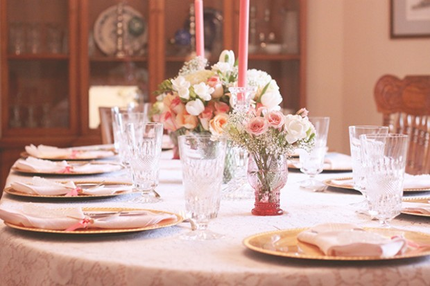 How to Organize The Best Bridal Shower At Home 22 Ideas That Your Guests Will Love (9)