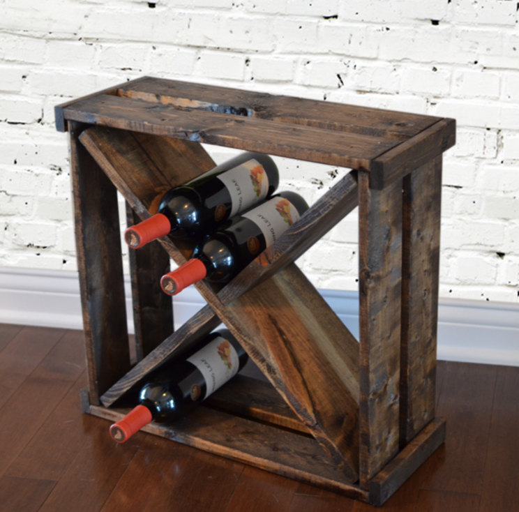 16 handy diy projects from old wooden crates style for Crate wine rack diy