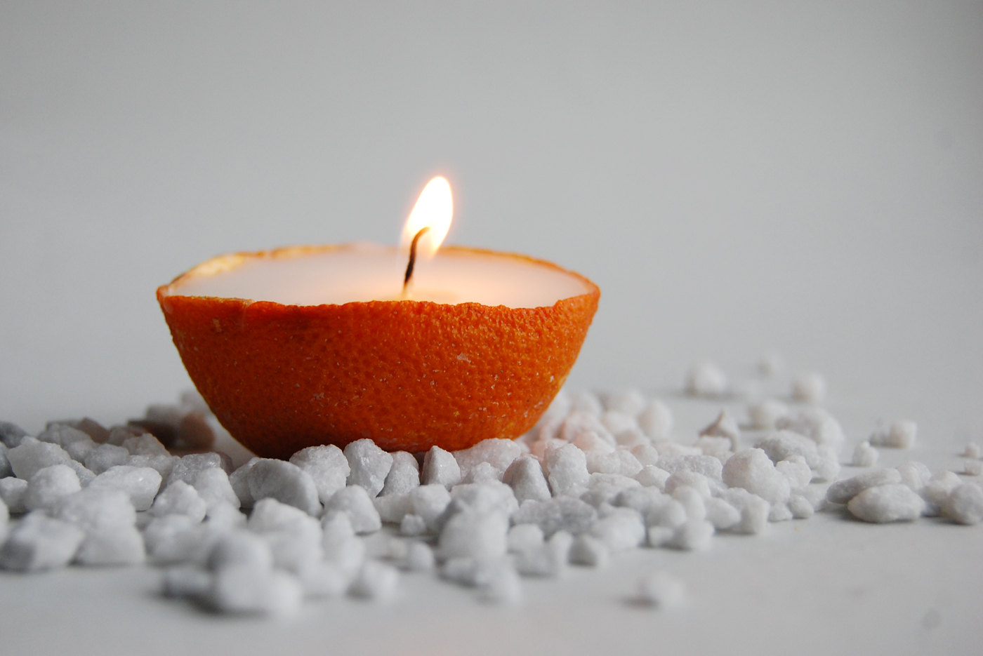 17 amazing handmade candle decoration diy ideas style for Decoration maison orange