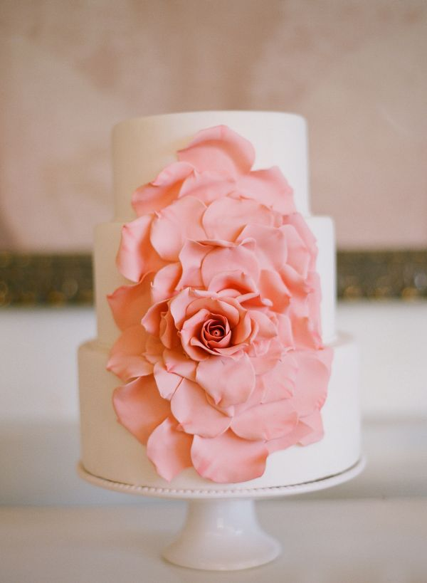 18 Beautiful Ideas for Perfect Wedding Cake Decoration