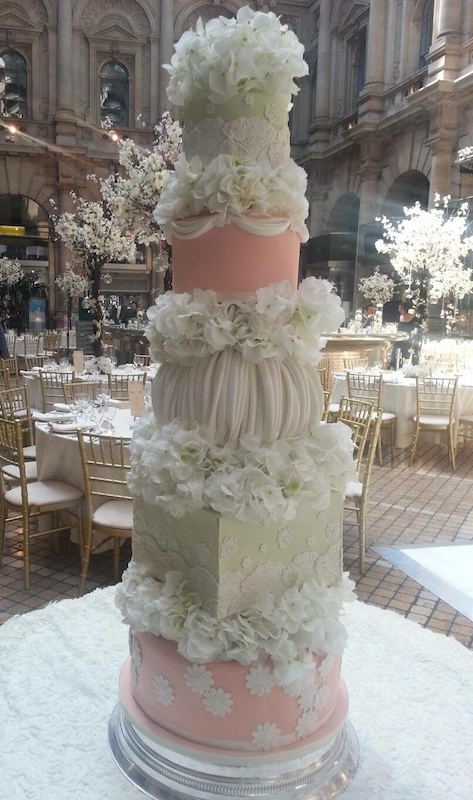 18 Beautiful Ideas for Perfect Wedding Cake Decoration (14)