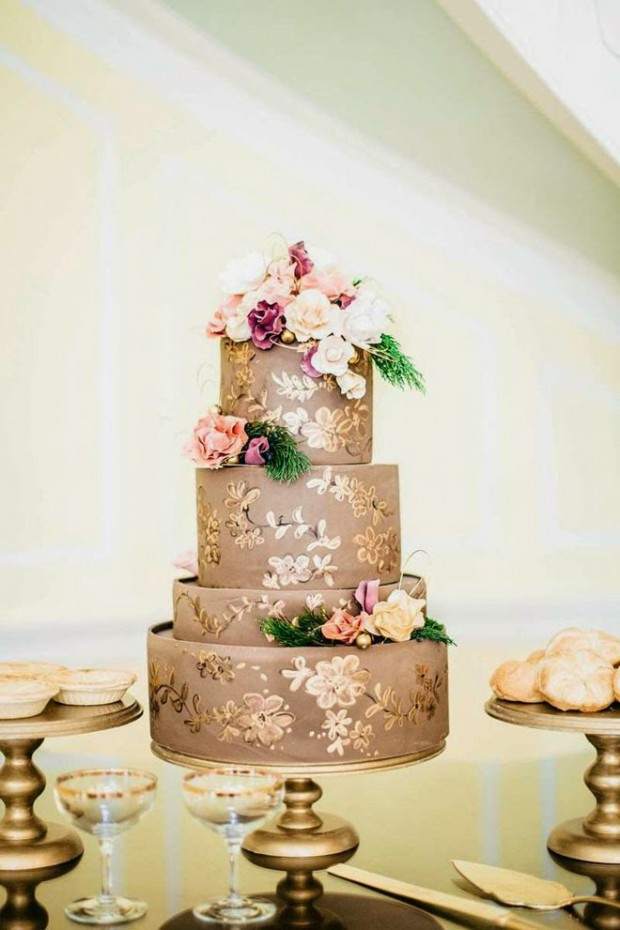 18 Beautiful Ideas for Perfect Wedding Cake Decoration (8)