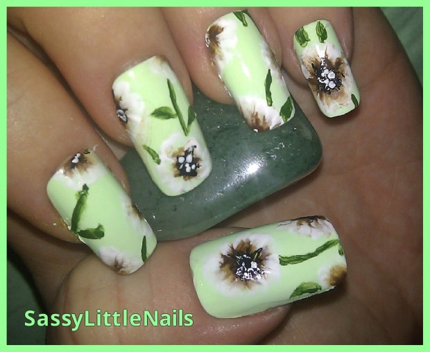 18 Colorful and Floral Ideas to Inspire Your Next Nail Design (13)