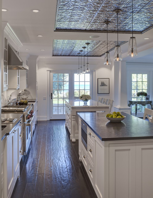 18 Gorgeous White Kitchen Design Ideas in Traditional Style