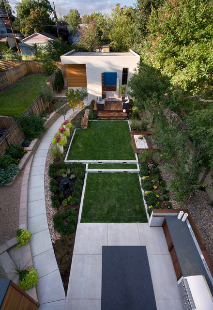 18 Great Design Ideas for Small City Backyards - Style ... on Long Backyard Landscaping Ideas id=74662