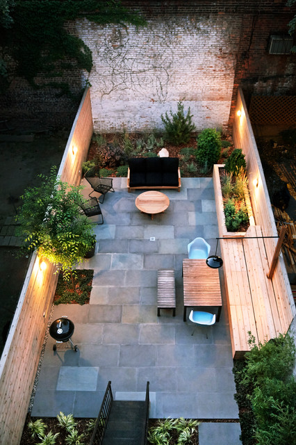 18 Great Design Ideas for Small City Backyards (17)