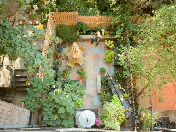 18 Great Design Ideas for Small City Backyards (3)