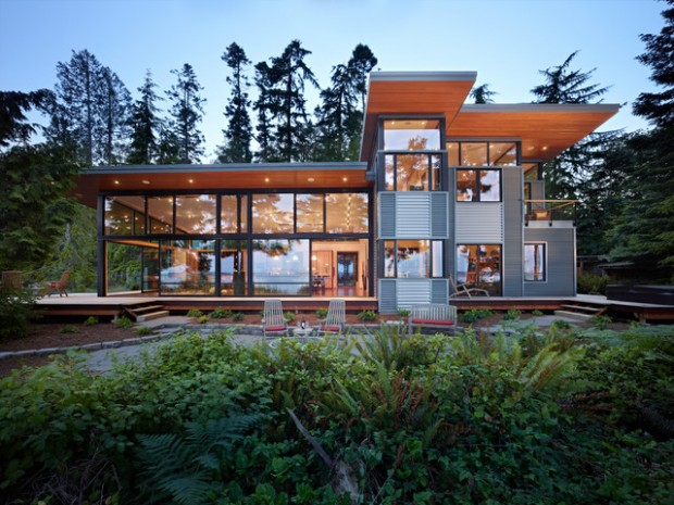 18 Modern Glass House Exterior Designs 1 620x465 - THE MOST AMAZING GLASS HOUSE PICTURES THE MOST BEAUTIFUL HOUSES MADE OF GLASS IMAGES