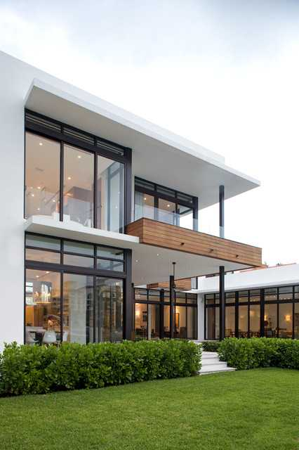 Modern House Exterior: 18 Modern Glass House Exterior Designs