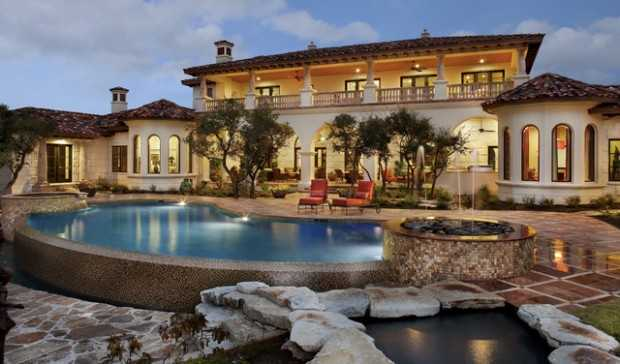 18 stunning hacienda style houses style motivation for Stunning houses