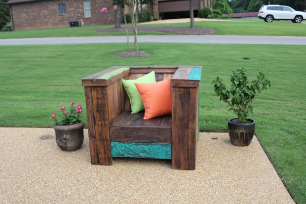 18 Useful and Easy DIY Ideas to Repurpose Old Pallet Wood (13)