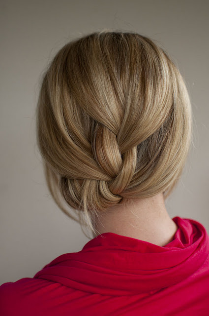 19 Cute and Easy Hairstyles that Can Be Done in 10 Minutes (16)