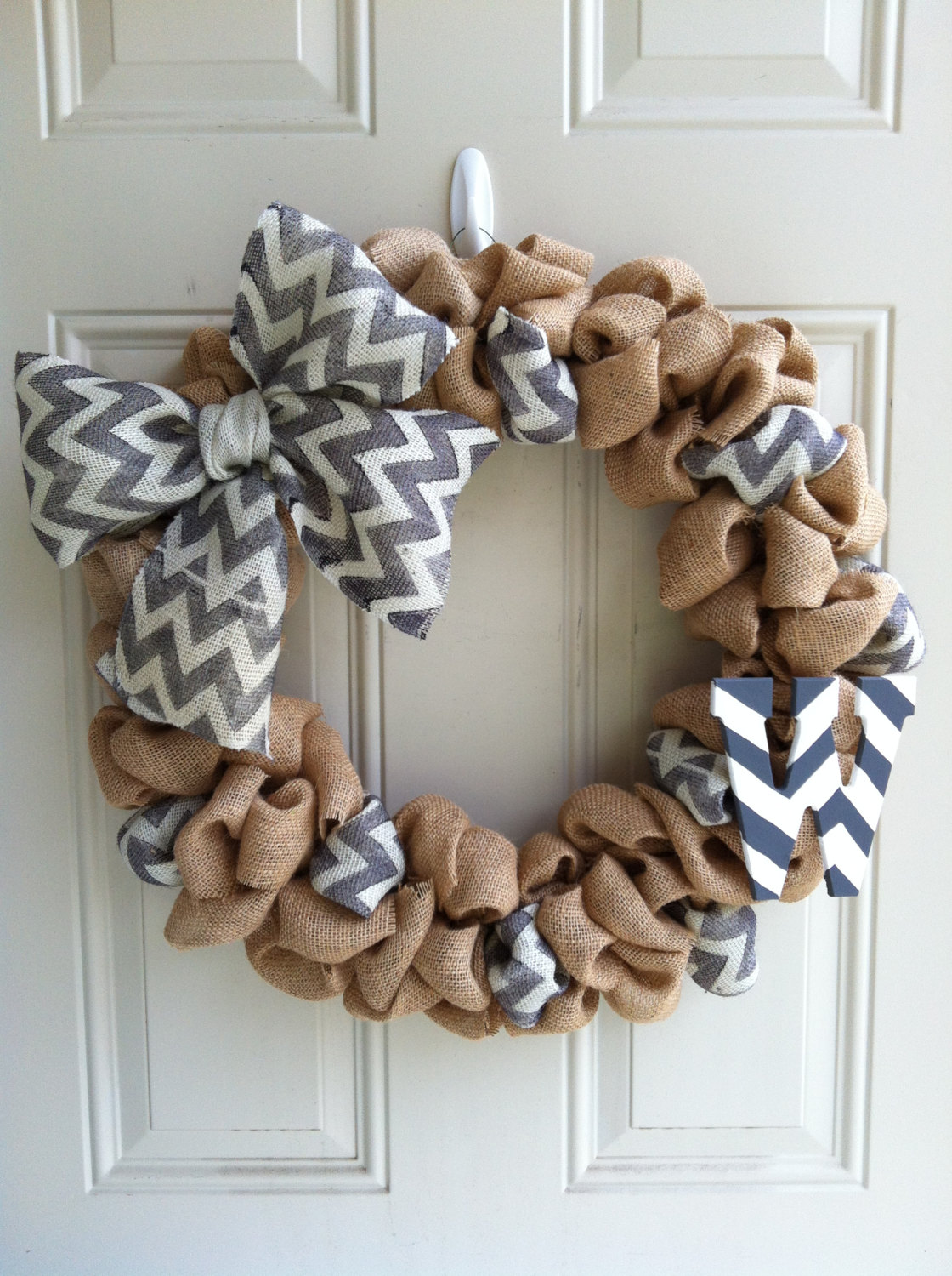 18 fresh looking handmade spring wreath ideas style for Burlap ribbon craft ideas